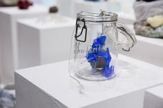 Exposition Substance, Head – Genève 2006-2012, présentée à artgenève du 31 janvier au 3 février 2013. ©Rebecca Bowring 2013, Beer, Mugs, Glasses, Tableware, Art, Radiation Exposure, Root Beer, Craft Art
