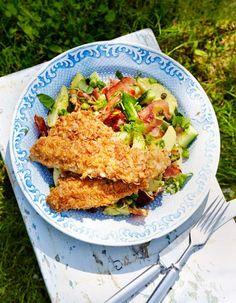 Kesäinen perunasalaatti ja paistetut ruisahvenet | K-Ruoka #kala Kala, Healthy Food, Healthy Recipes, Cooking Recipes, Foods, Chicken, Meat, Food Food, Beef