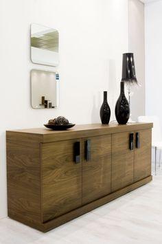 Αναβαθμίστε το χώρο σας τοποθετώντας έπιπλο μπουφέ σε minimal ή νεοκλασικό design σε συνδυασμό...