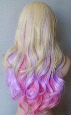 Pink, blond and lavender curls. personally I'd never dye my hair but this is so pretty Purple Hair, Ombre Hair, Pink Purple, Pastel Purple, Pastel Colors, Colours, Light Purple, Dyed Hair Pastel, Neon Hair