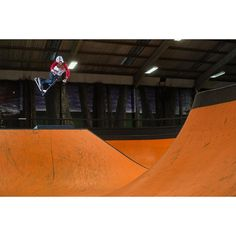 @lewis_williams floating a huge Motor Whip over the hip at @rushskatepark  #myproscooter #proscooter #stuntscooter #scoot #proscooters #stuntscooters #madd #mgp #rwilly #nitrocircus #gramtheshots #proscootershop #woodward #instascoot #freestylescooter #stuntscoot @RILLAScooters https://www.rilla.com/
