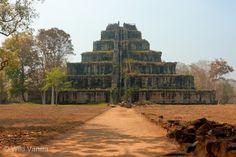 https://flic.kr/p/bpfFRS | Prasat Thom, Koh Ker | Pyramid dating from the 10th century