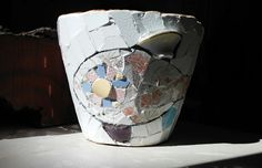 MOSAIC ART. MACETA REALIZADA CON MOSAIQUISMO. Flower pot decorated with mosaic technique by Ricardo Stefani