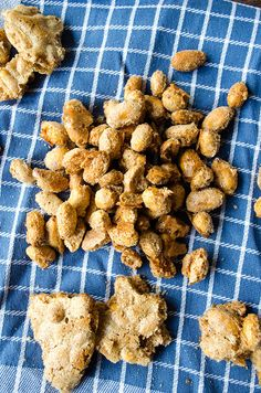 Candied peanuts coated with cinnamon, ginger and sugar make a perfect sweet-salty snack! | giverecipe.com | #peanuts #snack #glutenfree #nuts