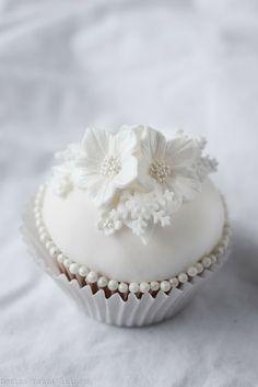 Marian pieni leipomo: Winter wonderland cupcake - tutorial