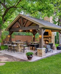 33+ Cool Outdoor Kitchen Design with Farmhouse Style #outdoorkitchen #kitchendesign #kitchenfarmhousedécor