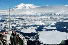 Sailing in ice. Foto via Jordi Plana