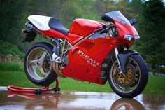 A fitting tribute to a hero. Ducati 916, Moto Ducati, Ducati Superbike, Moto Bike, Motogp, Concept Motorcycles, Racing Motorcycles, Mini 4wd, Sportbikes