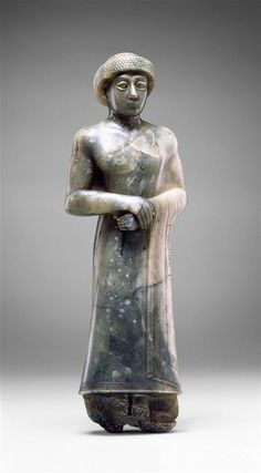 Paragonite statue of Gudea of Lagash. Mesopotamian, 2141 - 2122 B.C. | Detroit Institute of Arts