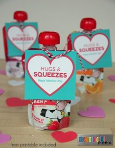Hugs and Squeezes Valentine's Day Classroom Party Food Idea and free printable. Hugs and Squeezes Valentine's Day Classroom Party Food Idea and free printable Kinder Valentines, Valentine Gifts For Kids, Valentines Day Activities, Valentine Treats, Valentines Day Party, Diy Valentine, Free Printable Valentines, Valentine Food Ideas, Valentine Cupcakes