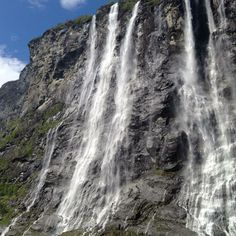 The morning boat trip was worth it  #norway #norge #geiranger #fjord — at Geiranger.