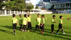 KIDS FOOTBALL SUPPORT , YOUNG KIDS FOOTBALL TRAINING