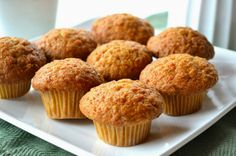 Muffin de Banana e Aveia (sem trigo / leite / açúcar / óleo) Made with only the sugar and fat naturally present in foods, this [. Sweet Potato Muffins, Sweet Potato And Apple, Sweet Potato Recipes, Healthy Muffin Recipes, Healthy Muffins, Baby Food Recipes, Healthy Fats, Paleo Recipes, Tasty Snacks