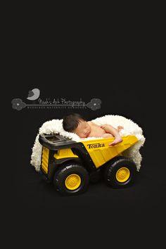 www.noahsark-photo.com    Newborn Photography, Tonka baby