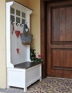 Home Entrance Decor, House Entrance, Diy Home Decor, Front Entry, Mudroom, Projects To Try, Shabby Chic, New Homes, House Design