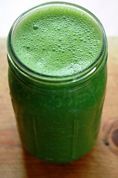 Yes, I'm on a new kick. :D greensmoothie(2)