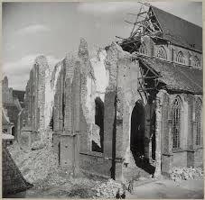 April '45 de toren van de Martinikerk is opgeblazen