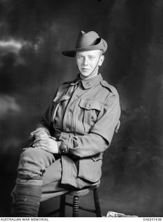 WWI, 11 April 1917, Pt William A Hart was KIA near Bullecourt, aged 20, and has no known grave. He is commemorated at the Villers-Bretonneux Memorial.