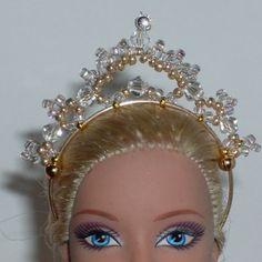 Barbie Hair, Barbie Clothes, Barbie Dolls, Flower Tower, Barbie Patterns, Barbie Accessories, Jewelry Model, Tiaras And Crowns, Doll Crafts