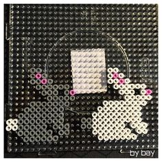 Kaniner som påskepynt – bybay.dk Melt Beads Patterns, Beading Patterns, Pearler Beads, Fuse Beads, Pop Up Art, Hama Beads Design, Melting Beads, Perler Bead Art, Bead Crafts