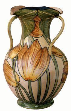 Galileo Chini, ceramic vase with tulip design (1903-1904)