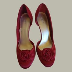 Women's Barely worn Fioni Hot Pink Satin Pumps Size 81/2