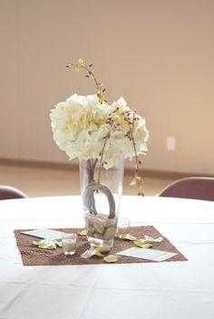 this site sells wedding items craiglist/ebay of wedding items kinda cool