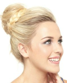 Tutorial: A Tousled Topknot - Want to do it yourself? click on the image!