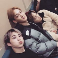 ❝Jongdae y Minseok son una pareja muy tierna a la que le encanta most… #fanfic # Fanfic # amreading # books # wattpad Kaisoo, Baekhyun Chanyeol, Park Chanyeol, Exo Couple, Kim Minseok, Xiuchen, Kpop Exo, Iconic Photos, Exo Members