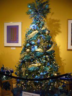 Peacock Christmas Tree Decorating Ideas