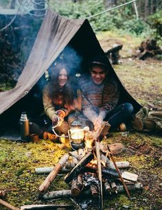 Camping with friends // I have a serious desire to go camping right now
