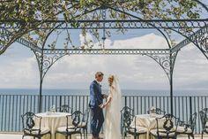 Sophy and Ben got married in #villaantichemura in Sorrento. Amazing wedding venue in Amalfi Coast with stunning views. #sorrentowedding #weddingitaly #sorrento