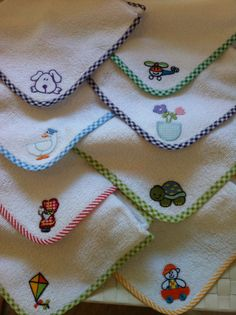 Iron on fabric Cupcake, 8 cm x 10 cm applique pieces), UK, made to order Baby Embroidery, Embroidery Designs, Baby Sheets, Iron On Fabric, Baby Towel, Baby Pillows, Heirloom Sewing, Applique Quilts, Baby Sewing