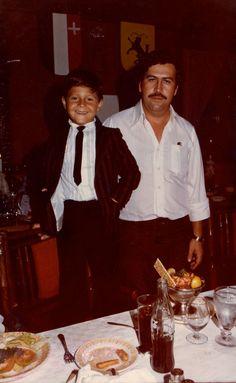 Pablo Escobar and his Son Sebastián Marroquín born, in Pablo Emilio Escobar, Pablo Escobar Poster, Don Pablo Escobar, Pablo Escobar Family, Narcos Pablo, Colombian Drug Lord, Mafia Crime, Mafia Gangster, Drug Cartel