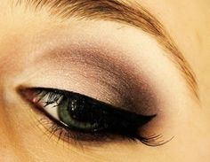 Pretty brown eyeshadow