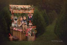 Another amazing year of Christmas Minis with an absolutely amazing photographer!