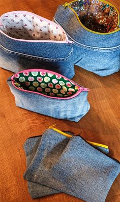 Jeans upcycling - bags sew from old jeans sewing instructions - Jeans upcycling idea with sewing plotter motif 5 - Diy Jeans, Diy Upcycled Art, Diy Kleidung Upcycling, Diy Upcycling Jeans, Altering Jeans, Upcycled Furniture Before And After, Jean Crafts, Diy Shirt, Refashion