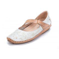 Zapato super cómodo de la marca Pikolinos.Flexible,ligero,diferente,moderno.Plantillas extraibles.Es un zapato diferente al resto y que ofrece una comodidad muy elevada.Tira cruzada en empeine regulable por velcro.Pieles de alto confort.Disponible en colores
