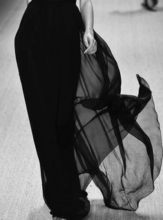 Fashion black and white photography couture 67 ideas for 2019 Dark Fashion, High Fashion, Style Feminin, Yennefer Of Vengerberg, In Vino Veritas, Black N White, The Villain, Back To Black, Fashion Details