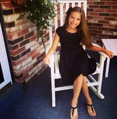 I am Kenzie, i am a dancer and gymnast. I love to ride my hover board. My sister and brother are matt and ari Mackenzie Ziegler, Dance Moms Mackenzie, Maddie And Mackenzie, Maddie Ziegler, Dance Moms Dancers, Dance Mums, Dance Moms Girls, Dance Moms Instagram, Mack Z