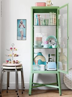 Love this retro look with the Ikea Fabrikor cabinet! Home Interior, Decor Interior Design, Interior Decorating, Decorating Ideas, Ikea Inspiration, Interior Inspiration, Cabinet Inspiration, Fabrikor Ikea, Home Decor