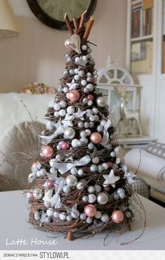 These DIY Christmas tree decor ideas are truly amazing. Christmas Tabletop, Small Christmas Trees, Noel Christmas, Pink Christmas, Diy Christmas Ornaments, Rustic Christmas, Christmas Wreaths, Christmas 2019, Christmas Trends