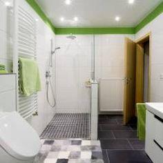 Banheiros modernos por Immobilienphoto.com