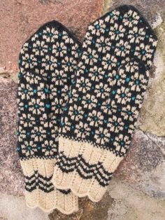 Items similar to Finely Knitted Estonian Mittens in blue black&white ORDERS ONLY on Etsy Knitted Mittens Pattern, Crochet Mittens, Knitted Gloves, Knit Crochet, Fingerless Mittens, Crochet Braids, Crochet Granny, Knitting Charts, Knitting Socks