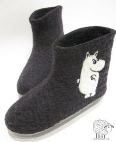 is it a hippo or an albino cow? haha super cute anyways Les Moomins, Albino Girl, Moomin Valley, Tove Jansson, Felt Shoes, Felted Slippers, Wet Felting, Cool Patterns, Cute Fashion