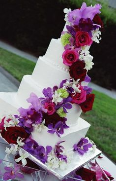 Pink and purple wedding cake! pink-and-purple-wedding-inspirations Purple Wedding Cakes, Red Wedding, Perfect Wedding, Wedding Flowers, Wedding Day, Floral Wedding, Cake Wedding, Wedding Stuff, Fuschia Wedding