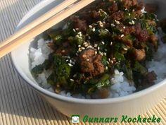 Asiatisches Mairübengrün mit Schweinehack aus dem Wok - #Rezept