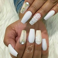 Creative Nail Designs, Beautiful Nail Designs, Creative Nails, Lace Nail Design, Lace Nails, Hot Nails, You Are Awesome, Amazing, Nail File