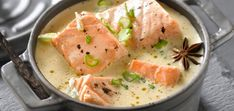 La blanquette de saumon. Simple, et si bon – Toplats Potatoes Au Gratin, Ramadan Recipes, Salad Ingredients, Avocado Salad, How To Cook Quinoa, French Food, Fish And Seafood, Parmesan, Curry