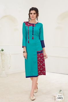 Decorate your Stores collection by linking this daily wear kurti provided to you by Lkfabkart. Besides this, it features a Pure Rayon that extends its stylish look. Designer Blouse Patterns, Designer Dresses, Kurta Designs, Blouse Designs, Ikkat Dresses, Kurti Styles, Kurti Collection, Check Dress, Indian Designer Wear